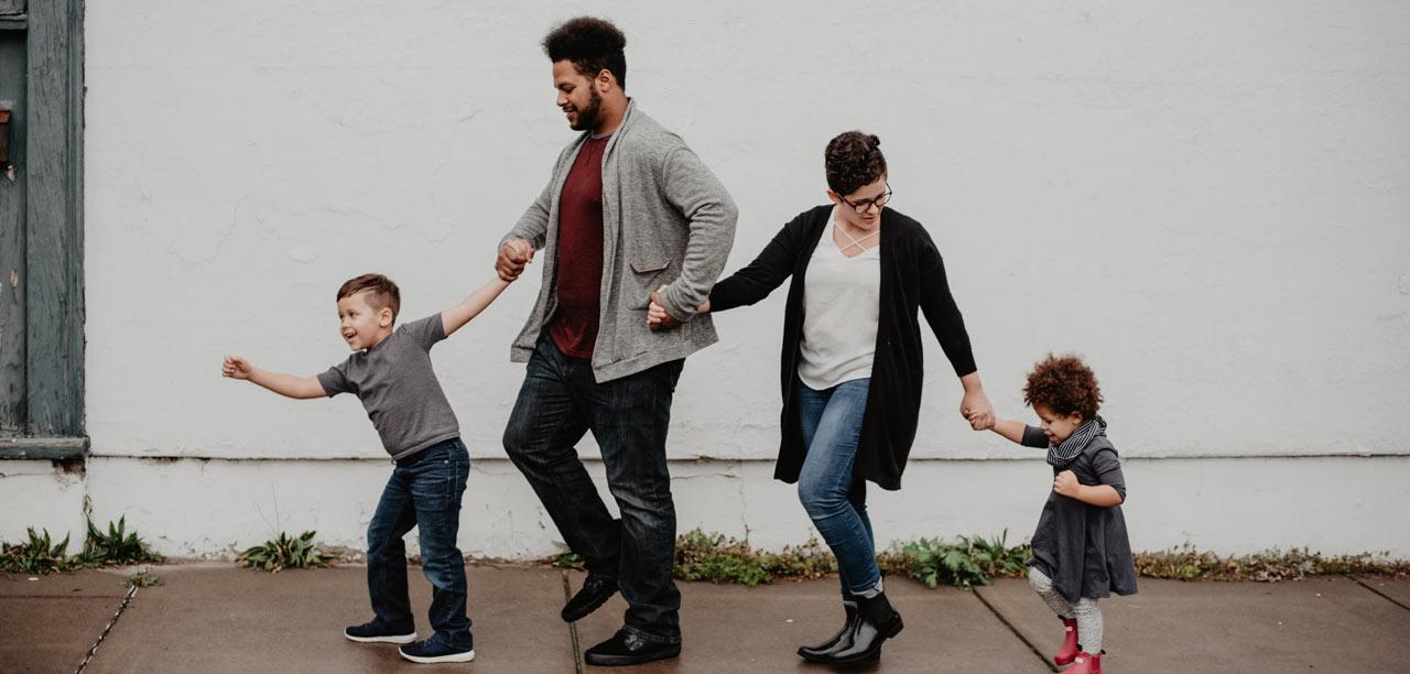 Podróż z rodziną. Jak urozmaicić ten czas dzieciom?